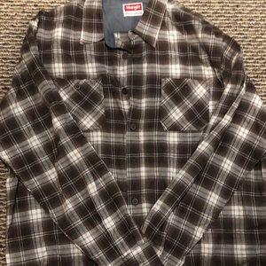 Wrangler XL plaid flannel shirt